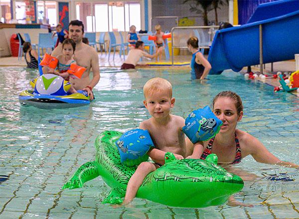 Ouder-kind zwemmen in Druten